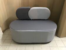 Divano Divanetto ufficio 2 posti grigio in finta pelle stilizzato arredo moderno
