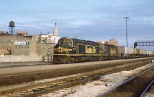 Santa Fe EMD F45 - Number - 5939 + 1 w/Train - ORIG - rals2217