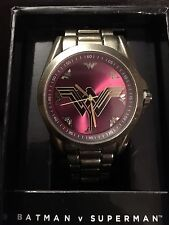 WONDER WOMAN DAWN OF JUSTICE GOLD METAL BAND WATCH NEW/VHTF