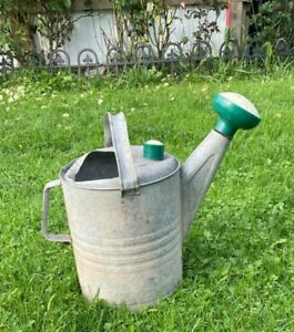 Vintage 10 Quart Galvanized Watering Can w/Sprinkler Head