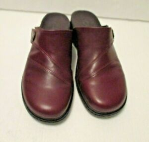 Clarks Womens Burgundy/Red  Size 9 M  Leather Mules Shoes