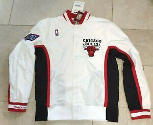 Neu Mitchell & Ness Warm Up Jacke Chicago Bulls M 1996-1997 weiß Michael Jordan