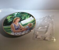 "Avon - 2006 Mother's Day Porcelain Mini Plate ""Mother and Child"" 22K Gold Trim"