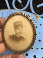 Cadre Médaillon Miniature Porte Photo Laiton Doré Vers 1900 Ovale
