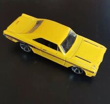 Hot Wheels Dodge Charger 2013 Yellow Muscle