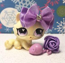 Authentic Littlest Pet Shop # 848 Cream Tan Crouching Cat Purple Clover Eyes