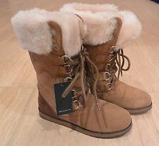 NIB Emu Australia Women's Featherwood Hi Merino Wool Boots in Chestnut. Size 6M