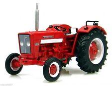 1968 International Harvester 624 Tractor 1:43 Universal Hobbies Die-Cast UH6088