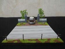 DIORAMA 1/43  ENTREE PROPRIETE GRAVILLONNEE L 29 cm X l 19,5 cm X H 13 cm