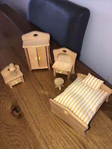 Wooden Dolls House Bedroom Furniture Set