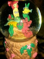 LITTLE MERMAID ARIEL, FLOUNDER, AND SEBASTIAN DISNEY STORE SNOW GLOBE, NEW, MINT