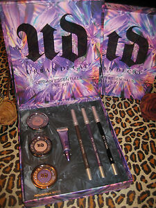 Urban Decay ESSENTIALS Eye Kit Set + Bonus Sample Lipgloss SAVAGE Global Ship