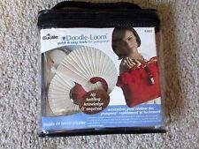 Bucilla Doodle Loom pompom maker / pompon maker set