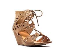 Material Girl   Halona Wedge Sandals   Tan   8 M