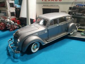 Signature Models Silver 1936 '36 Chrysler Airflow 1:18 Scale Diecast BEAUTIFUL