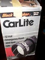 BLACK AND DECKER 12 VOLT EMERGENCY FLOOD AND SPOT LITE NEW