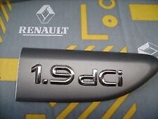 RENAULT LAGUNA MK 2 DCI 1.9 BADGE WING BADGE FRONT RIGHT SILVER 8200048613