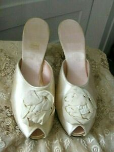 VINTAGE DANIEL GREEN IVORY SATIN MULE BOUDOIR SLIPPERS WITH ROSETTE-2A100 - 9