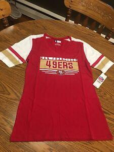 San Francisco 49ers NFL Women's Red Short Sleeve Graphic T-Shirt Medium - NWT