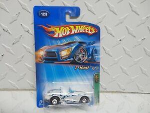 2005 Hot Wheels Treasure Hunt #123 White 1958 Corvette w/Redline Real Riders