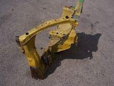 Daihatsu YRV M2 : Karosserieausschnitt: Längsträger vorne links gelb Y07