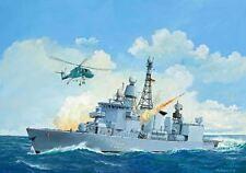 Modelle von Militär-Schiffen aus Plastik