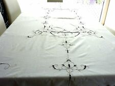 BEAUTIFUL HAND EMBROIDERED 100%  WHITE   COTTON  LARGE  MADEIRA STYLE TABLECLOTH