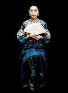 Dream-art Oil painting Chinese ancient noblelady portrait seated with fan canvas