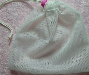 Large Mesh Laundry/Wash bag with drawstring and colourful toggle