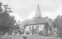POSTCARD   BUCKINGHAMSHIRE  STOKE  POGES   Church  and  Yew  Tree