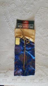 NEW CHRISTMAS DECORATIVE WINE BOTTLE GIFT BAG, BLUE GLOD, METALIC GLITTER BALL O