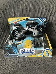 Imaginext DC Super Friends Bat Tech Bat Cycle Batman Action Figure Black Blue 21