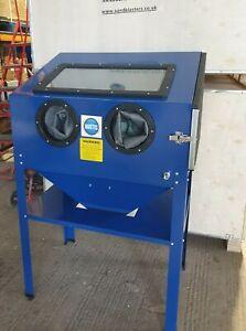 Sandblast Cabinet SBC220 Workshop  for restoration Sand Blast projects. ( Blue )