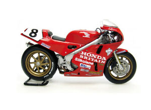 Honda RC30 (Carl Fogarty - TT Winner 1990) Diecast Model Motorcycle 4822