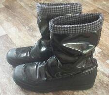 Nike Damen Stiefel Größe 40.5 schwarz Lack