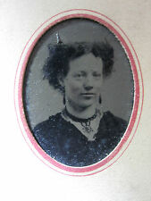 ANTIQUE AMERICAN HIDDEN DEVIL HAIRSTYLE VICTORIAN NECKLACE BEAUTY TINTYPE PHOTO