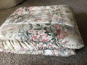 Queen RALPH LAUREN Green & Pink Floral Comforter!