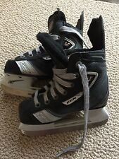 CCM Vector U+08 ice skates size 8.5D youth Excellent used only once