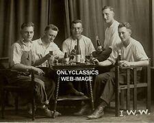 1910 Vintage Bière Vin Bouteille Buvant Hommes Fumer Fête Barre Photo Americana