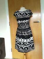 Ladies PER UNA Dress Size 12 Black Ivory Fit And Flare Party Evening