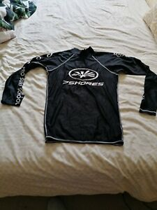 mens rash vest medium