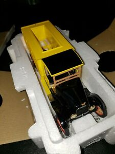 Danbury Mint 1/24 Scale Model 1927 Ford Coca Cola Delivery Truck New in Box