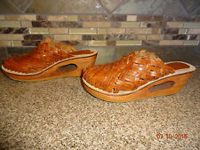 Vintage Womens DANELLE Sz 6B Brown Leather Woven Clogs Shoes Wood Heels Brazil