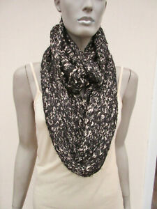 Womens Black / White Soft Knit Chunky Loop / Infinity Scarf