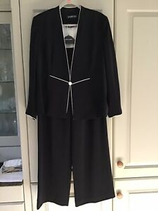 JACQUES VERT  BLACK TROUSER SUIT WITH CREAM Piping.size 18 Trousers ,20 Jacket .