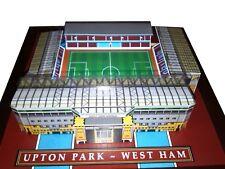 West Ham a tierra Modelo con reflectores En Funcionamiento