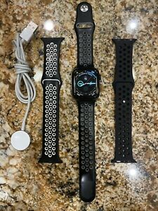 Apple Watch Series 4 44mm Space Black Stainless Steel Case GPS + LTE MTV62LL/A