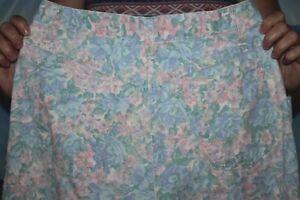 Women's Vintage US made Floral  Hunt Club Denim  Jeans  size 12   26 x 29    EUC