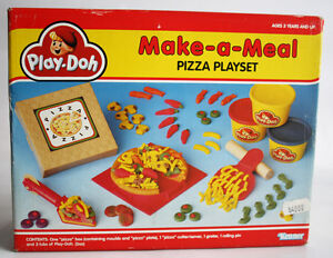 RARE VINTAGE 1991 PLAY DOH PIZZA PLAYSET MAKE A MEAL KENNER TONKA NEW !
