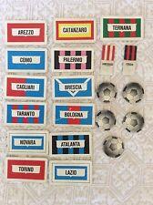 GIOCO DEL CALCIO ANNI '60 '70 SCHEDE STEMMI E PALLONI TORINO TARANTO TERNANA..